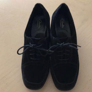 Ladies Clark's Bendables lace front shoes